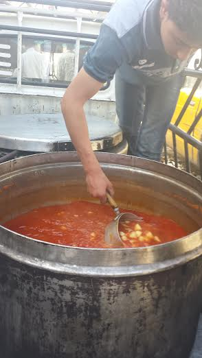 "Palestinian ""committees"" organize home-cooked food for displaced people inside their camps."